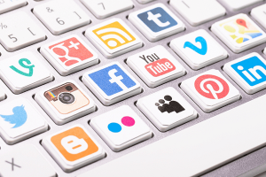4 TIPS FOR EFFECTIVE SOCIAL MEDIA POSTS